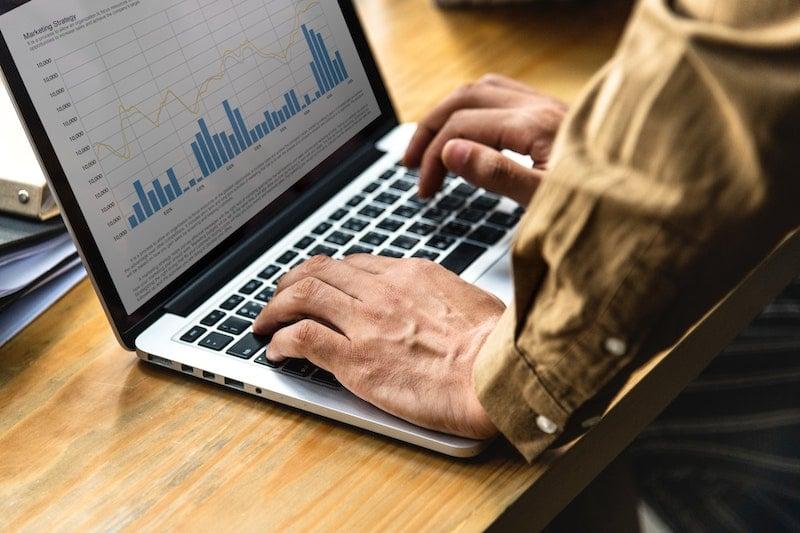 analysis-charts-commerce-1559048